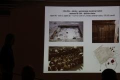 V okolí dvorca v rímskom štýle v Cíferi-Páci boli objavené typické zahĺbené domčeky bežných Germánov.V jednom z nich sa našli pozostatky tkáčskych stavov, a to hlinené závažia slúžiace na napnutie nití.