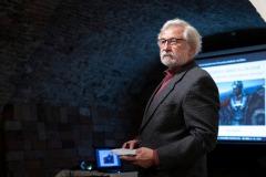 Odborník na dobu rímsku PhDr. Ján Rajtár, CSc. začína svoje zaujímavé rozprávanie.